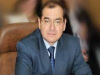 وزير البترول يتفقد أجنحة معرض البترول الدولى