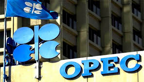 النفط يرتفع بدعم احتمال تمديد أوبك لاتفاق خفض الإنتاج