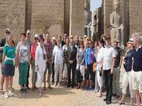 انطلاق قافلة سياحية بالسوق الهندى للترويج لسياحة حفلات الزفاف فى مصر