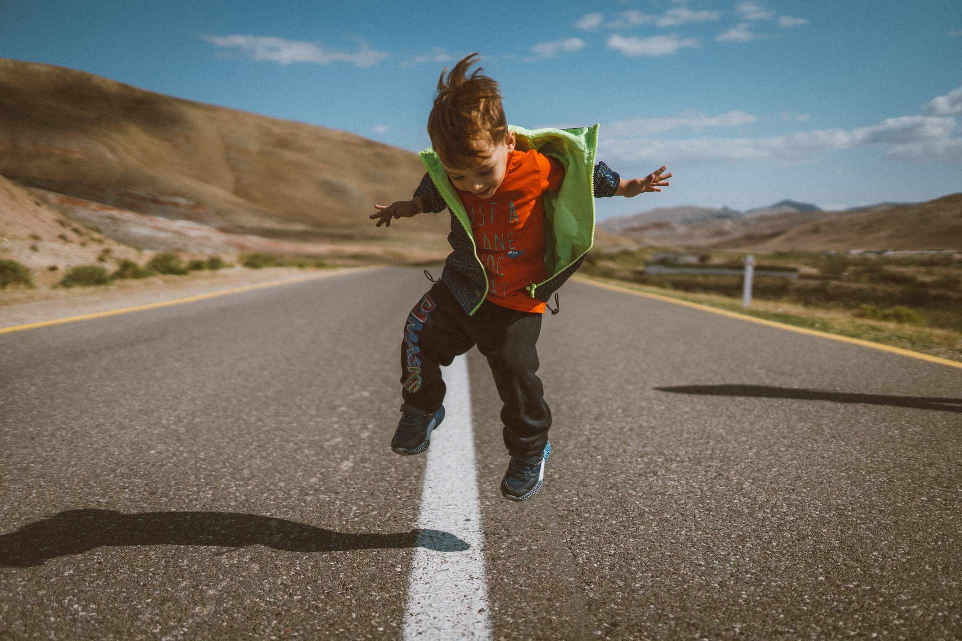 The 5 Best Podcasts for Kids on Long Road Trips