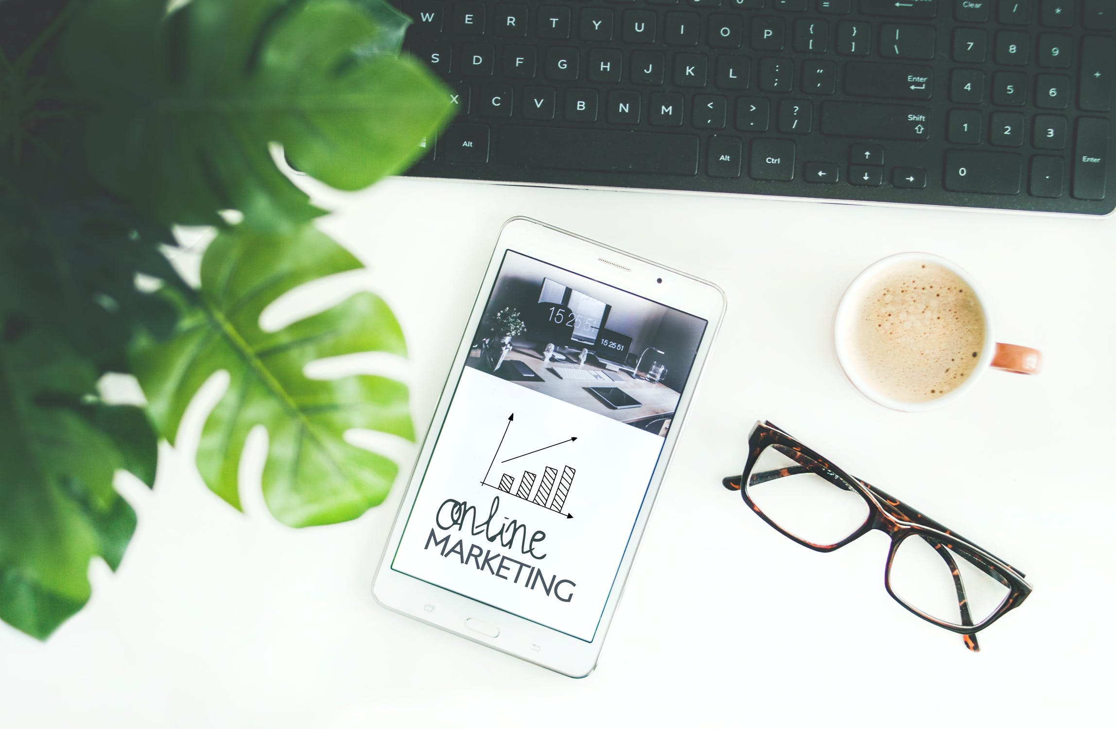 19 Digital Marketing Podcasts that Make You a Better All-Around Digital Marketer