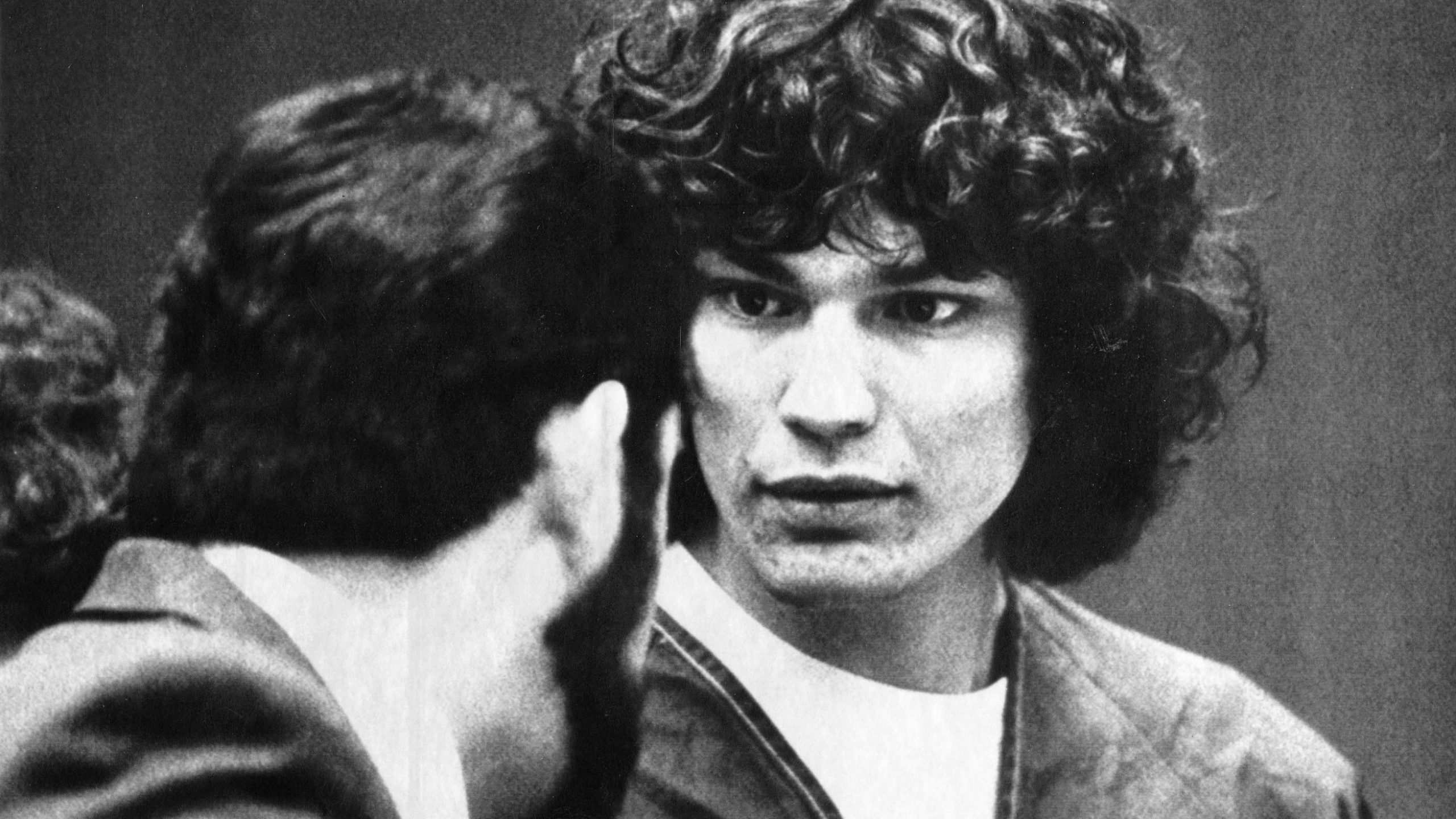 10 Serial Killer Documentaries to Watch if You've Seen Netflix's Night Stalker