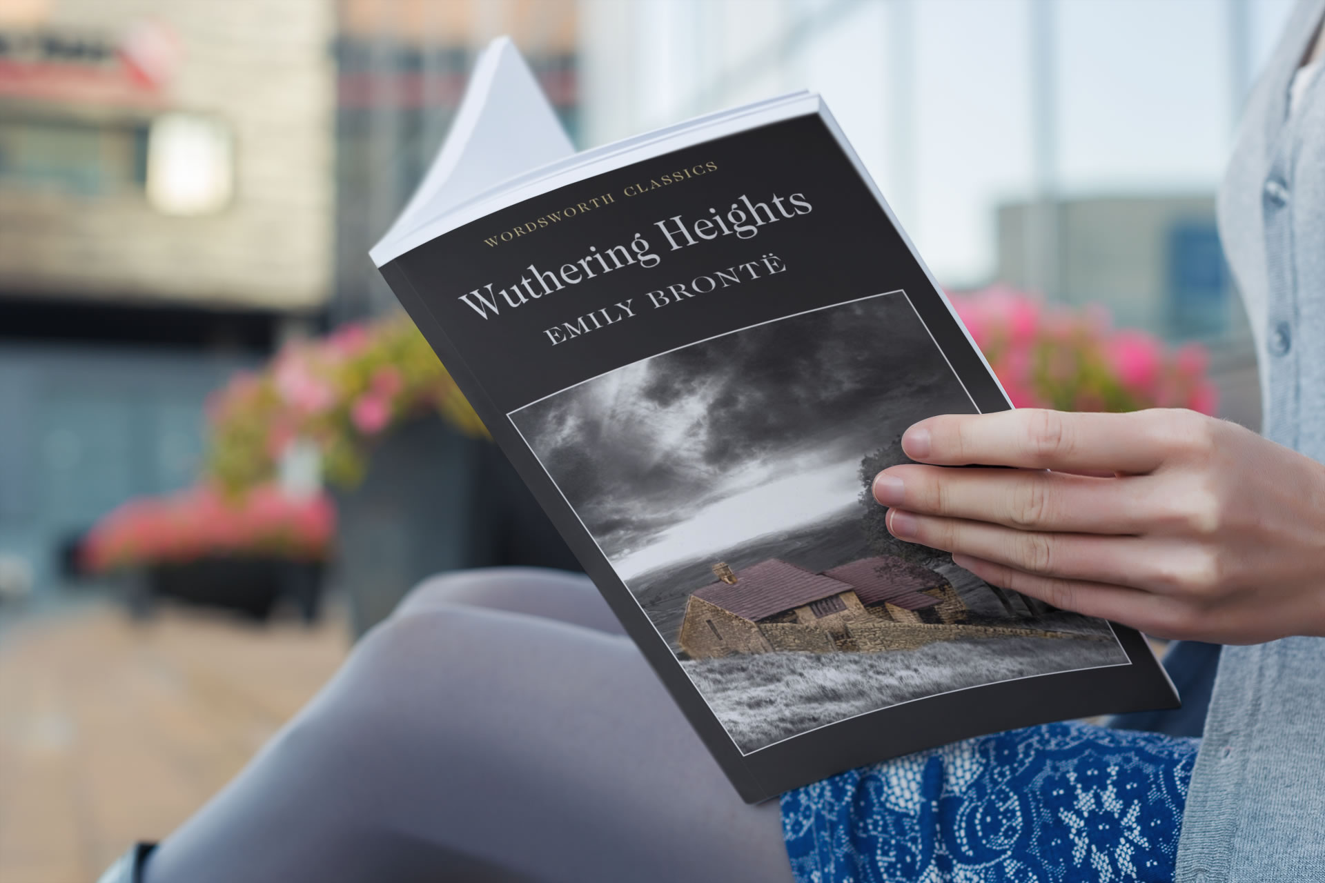 9 Haunting Books Like Wuthering Heights