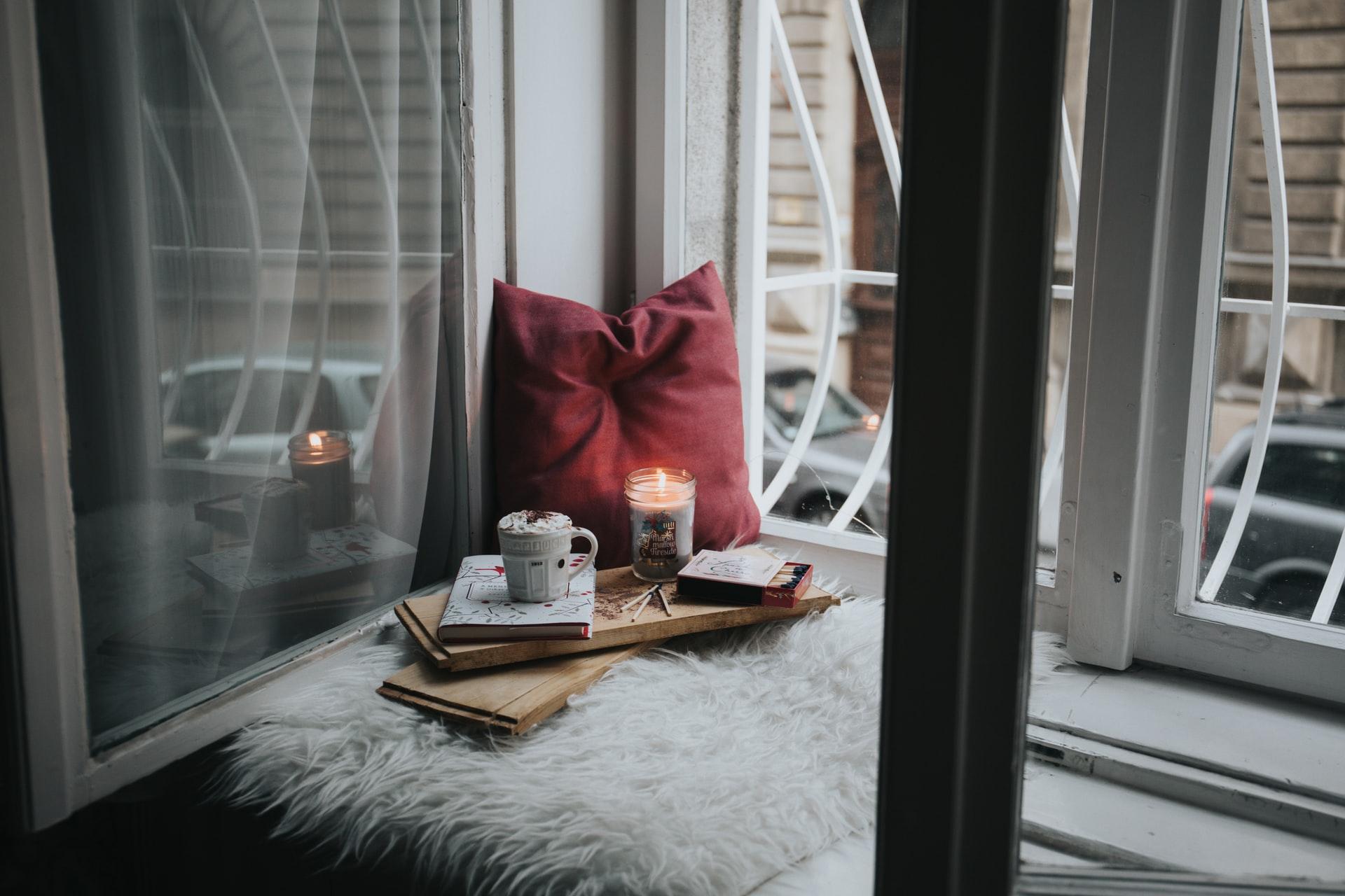 8 Romantic Books Like The Kiss Quotient
