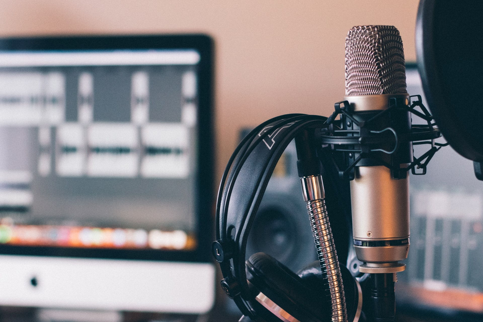 15 Podcasts to Look Forward to in 2021