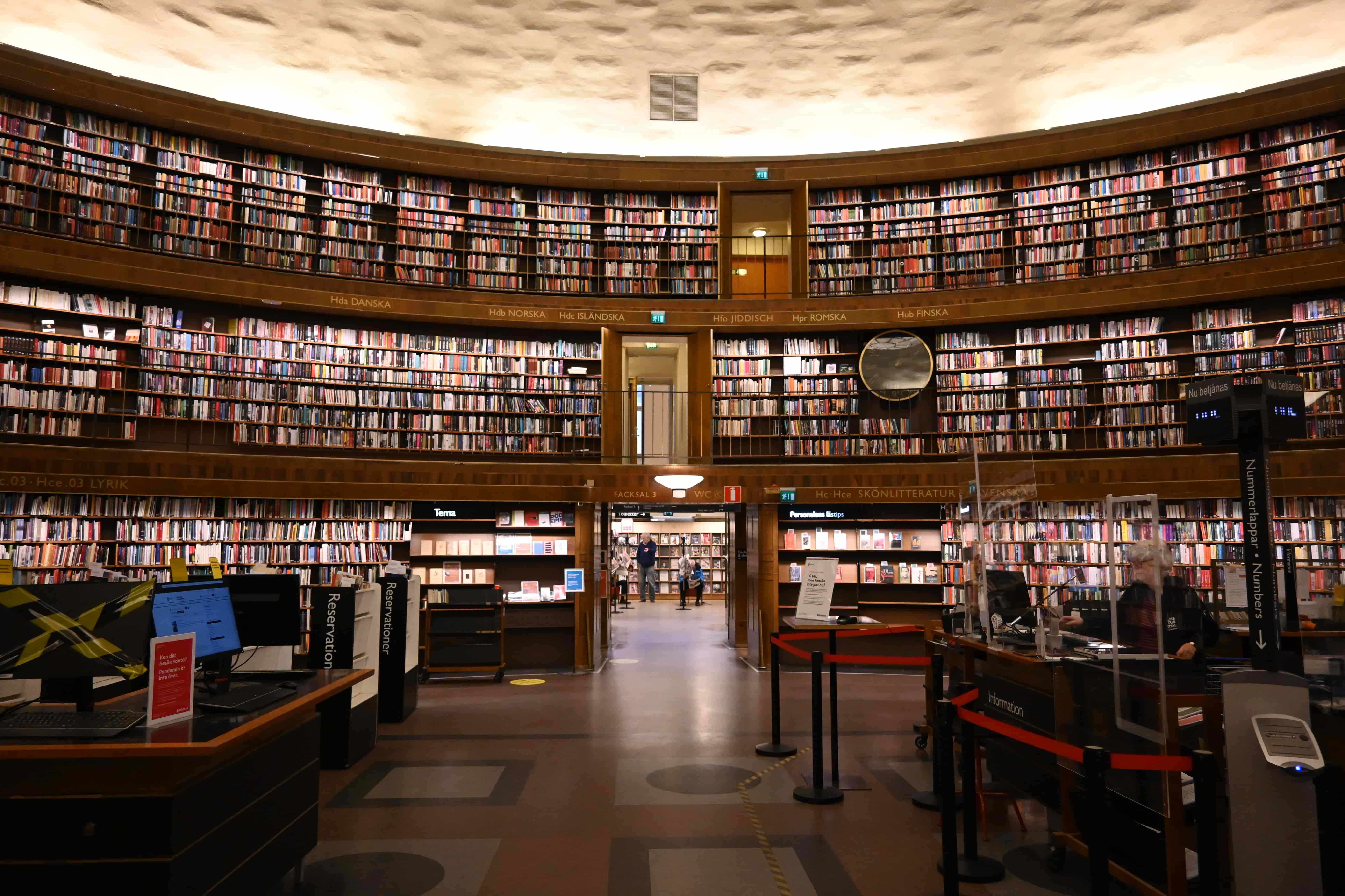 8 Absorbing Books Like The Midnight Library