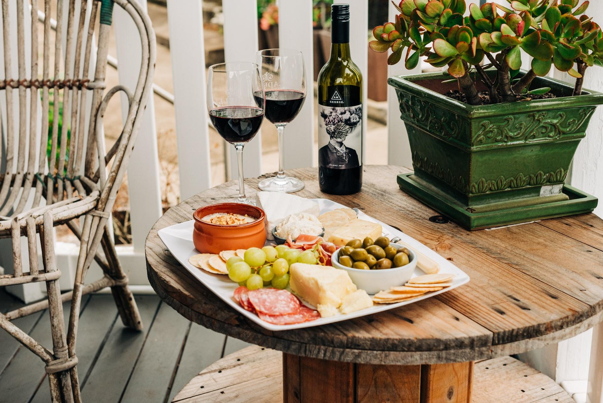 55 Great Walk-In Restaurants With Outdoor Seating