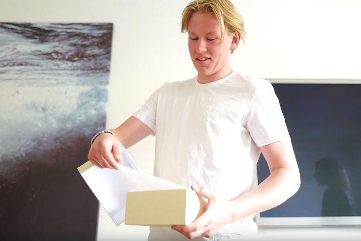 Gävlebloggarens studentpresent till storebrodern kostade mer än 100 000 kronor