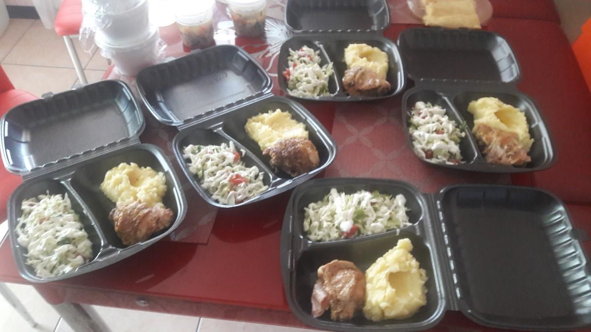 Предлагаю Вам и Вашим коллегам комплексные обеды домашнего приготовления : (65)  - 3