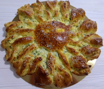 Пирог три сыра и шпинат: (250)
