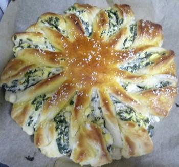 Пирог с фетой и шпинатом: (250)