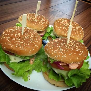 Бургер из говядины: (200)