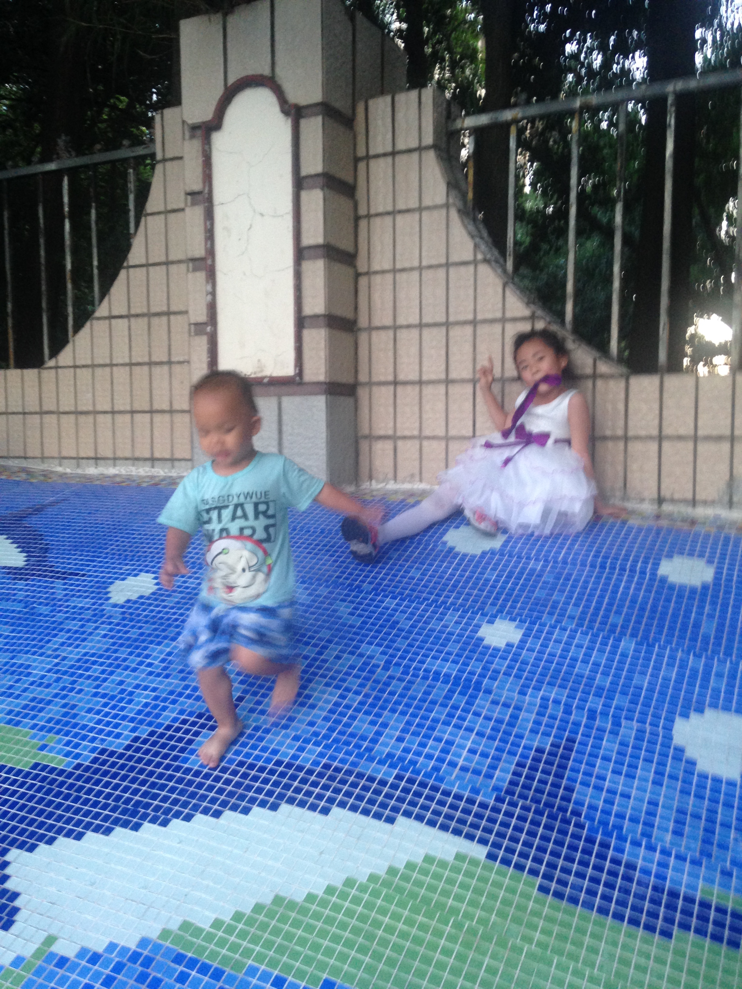 play on the slide 2