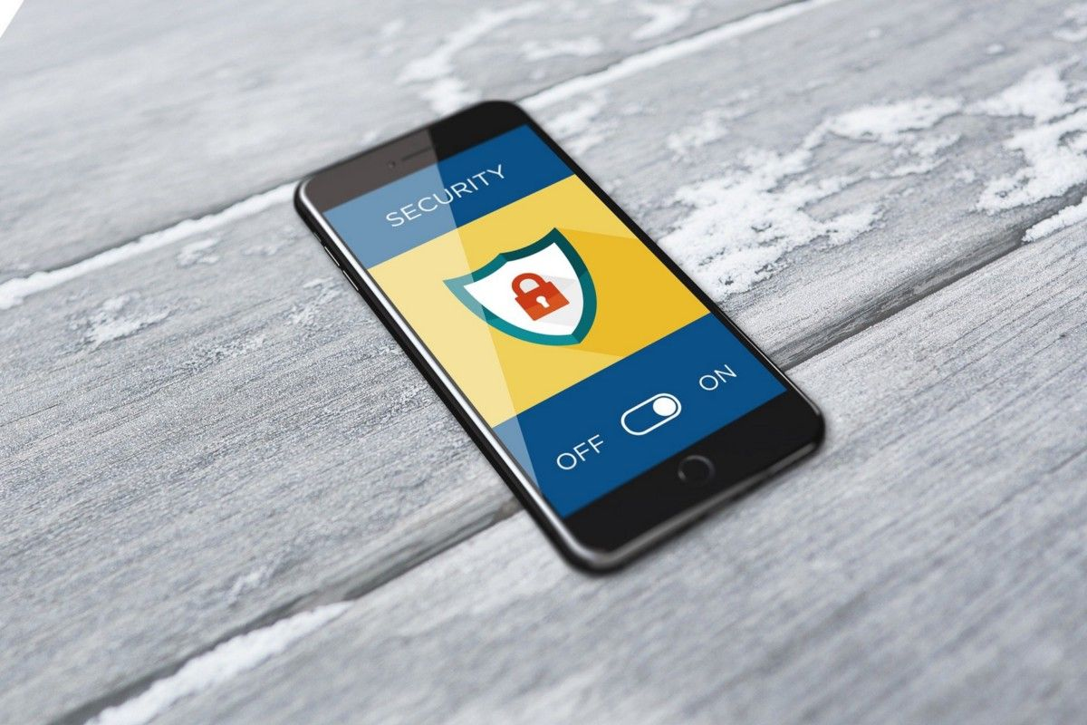 /how-to-strengthen-privacy-and-security-on-your-mobile-phone-pi4l3wjk feature image