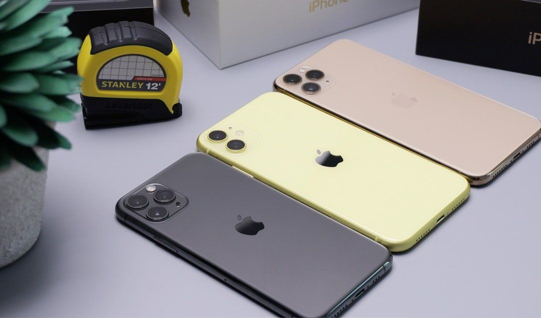 /smartphones-the-true-cost-of-upgrades-mw6z3tji feature image