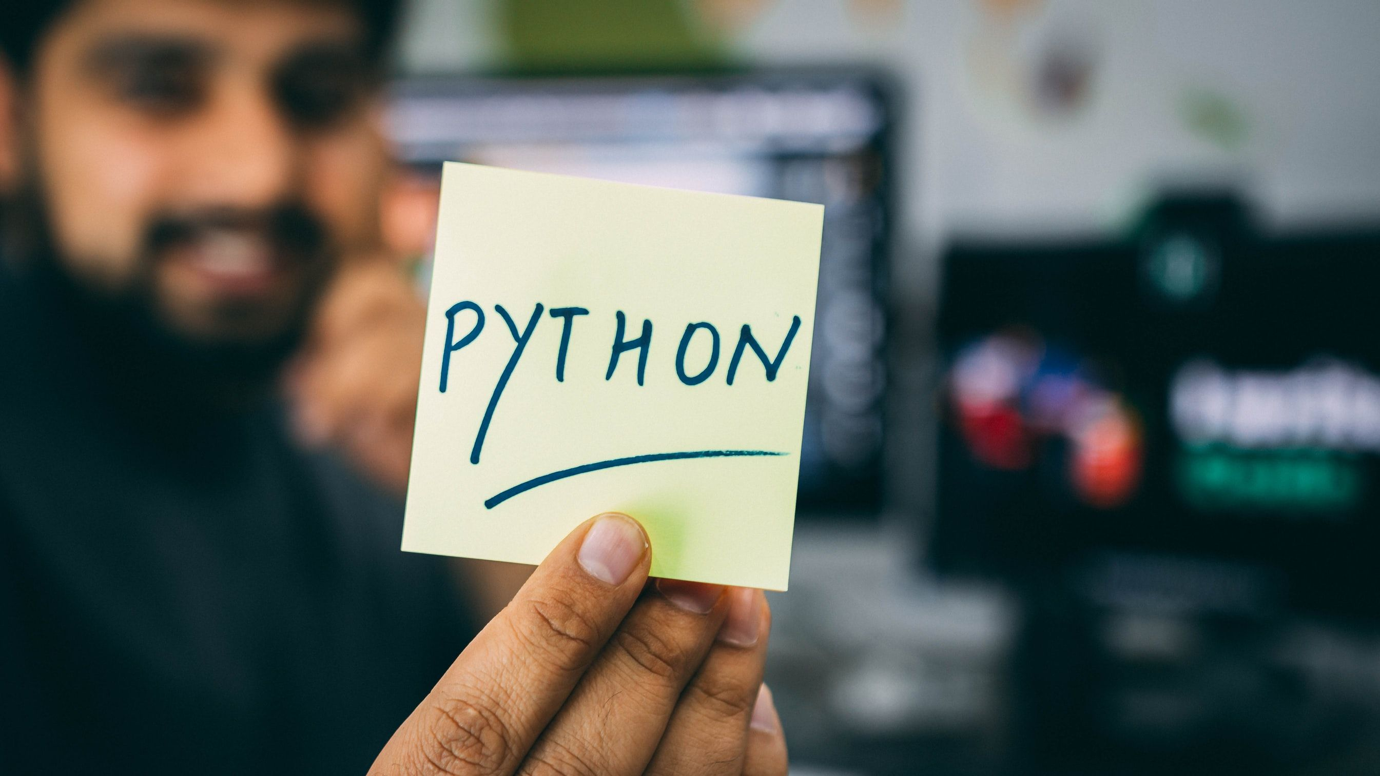 /2020-2021-technology-outlook-why-python-is-here-to-stay-o9103zto feature image