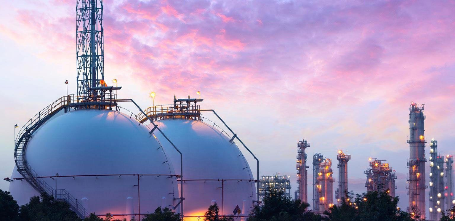 /technology-in-the-oil-and-gas-industry-an-mlops-perspective-ub1h3wmm feature image