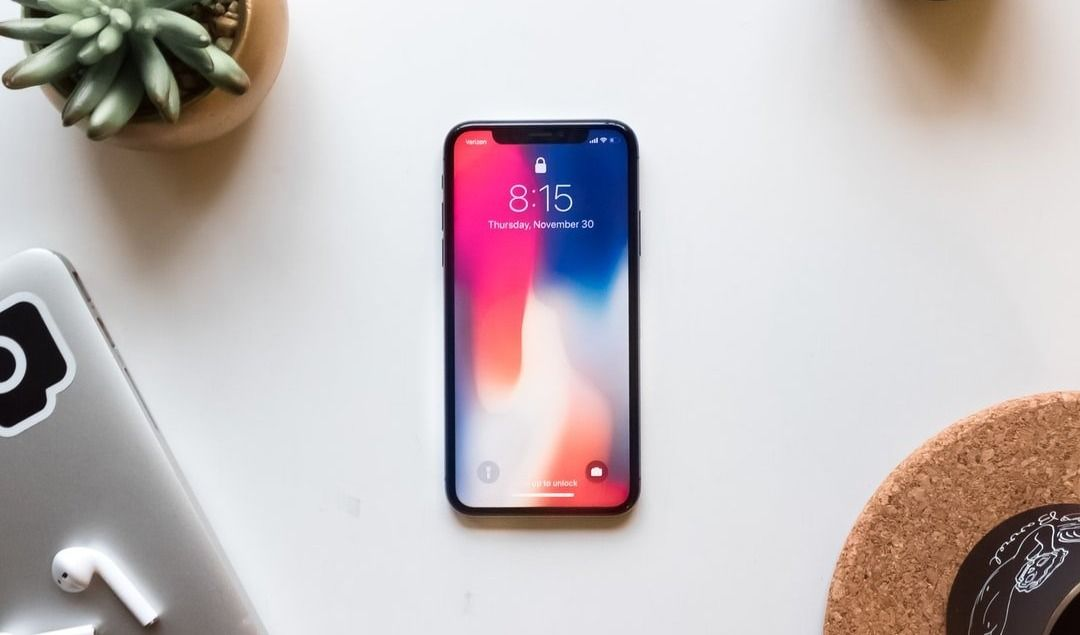 Designing for iPhone X Screen Dimensions: 9 Tips for a Great UX