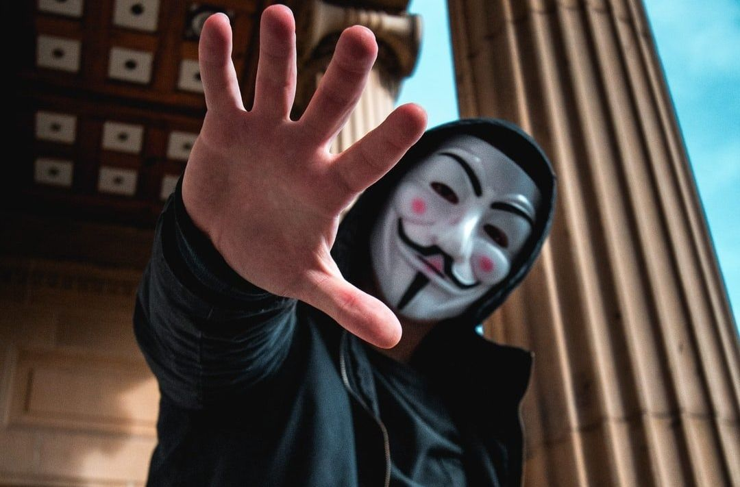 /a-beginners-guide-to-the-dark-web-and-online-anonymity-2p2j3uwi feature image