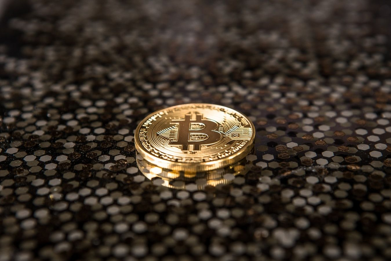 /the-bitcoin-price-in-the-long-run-part-1-the-role-of-social-mood-9wi3w9c feature image