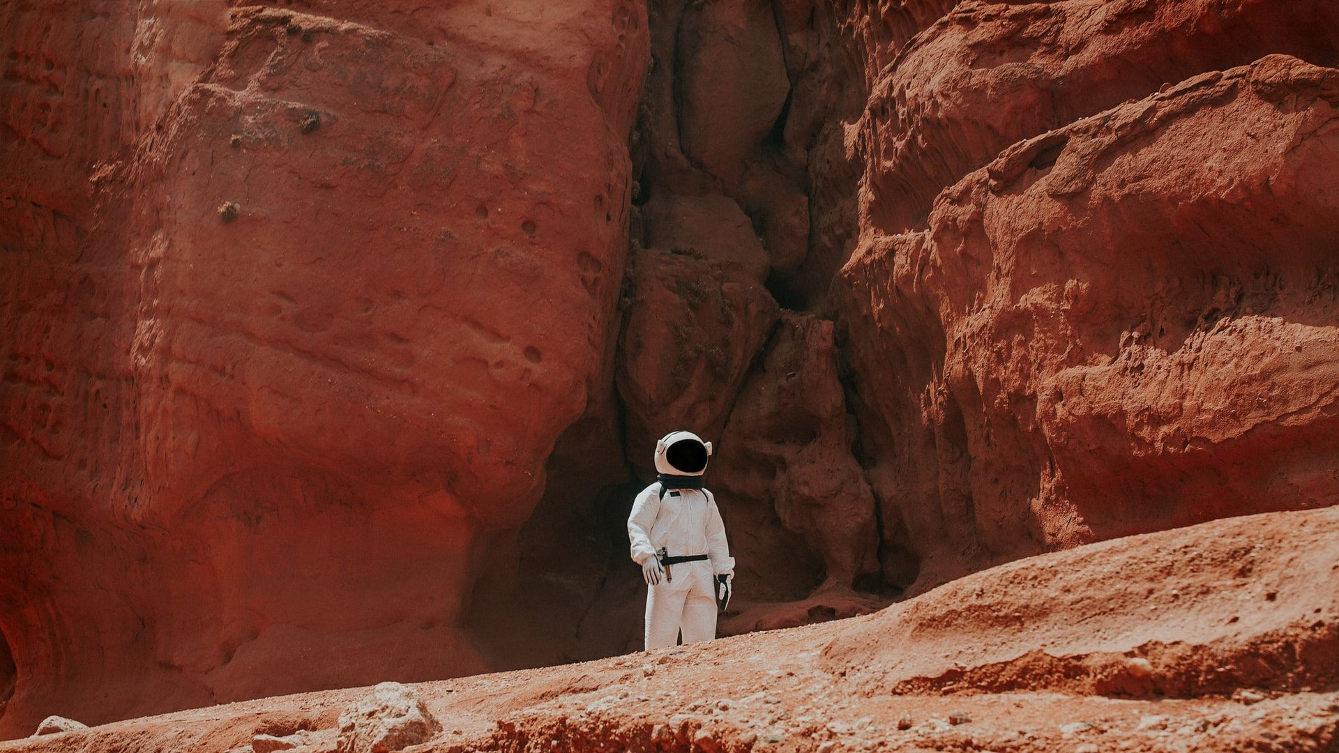 /the-ongoing-mars-missions-are-we-ready-to-live-on-the-red-planet-7d2d3tpt feature image