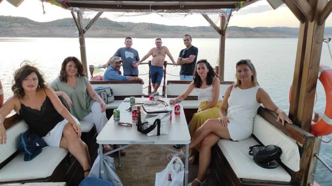 Jomafual en Hamelin: Paseo en barco ecológico solar  - Actividad  (Almodóvar del Río)