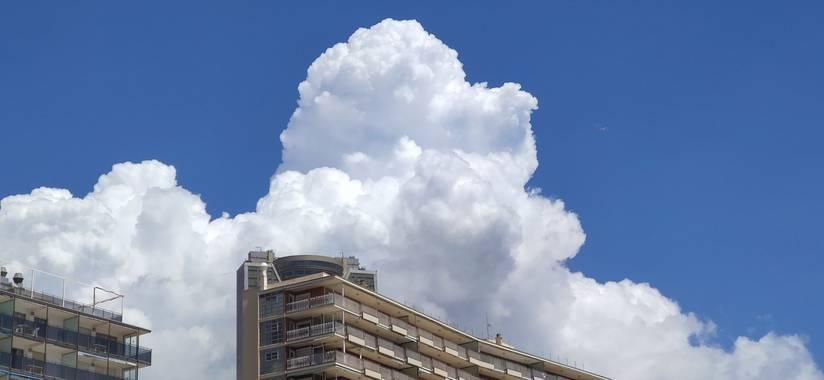 Mylenium69 en Hamelin: Paisaje  (Benidorm), #explosiondenubes #nubes #cielosalucinantes