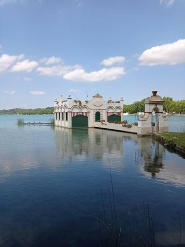 Trigorin25 en Hamelin: Paisaje  (Banyoles), Pesquera en el Lago de bañolas