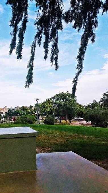 Emanuel Soto Icazatti en Hamelin: Paisaje  (San Juan), Fotografía de la plaza Hipólito Irigoyen o también conocido como