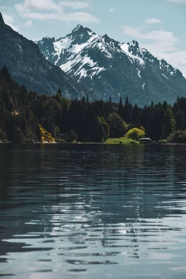 ailen.jarriagada en Hamelin: Paisaje  (Centro), Lago Moreno #bariloche #patagoniaargentina #patagonia #barilove #primaveraverano #lagomoreno
