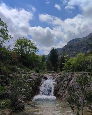 aidalzira en Hamelin: Paisaje  (Cortes de Pallás), Ruta Barranco cortes o (Barranco de la barbulla) un recorrido lleno de pozas y cascadas. #paisaje  #natu...