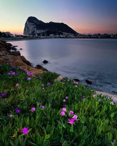 Osk_PH en Hamelin: Paisaje  (La Línea de la Concepción), Amanecer en Playa de Poniente  #amanecer #sunrise #sunrisephotography #paisaje #paisajesnaturales ...