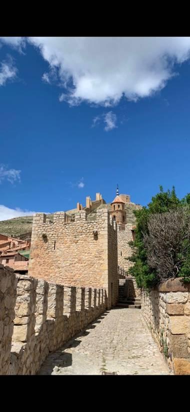 carogv1995 en Hamelin: Paisaje  (Albarracín), #flora21 #albarracin #lugarespreciosos #lugaresconmagia ✨