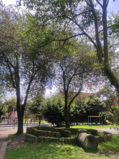 Zaynab en Hamelin: Paisaje  (Bogotá, D.C.), Símbolos