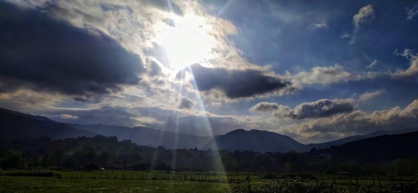 Sortueta en Hamelin: Paisaje  (Castro-Urdiales), Rayos de sol