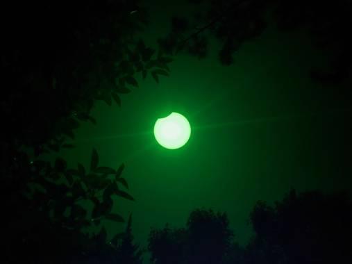 christian Martin en Hamelin: Paisaje  (Châteaurenard), Éclipse de soleil du 10 juin 2021. #eclipse #soleil #lune #astronomie