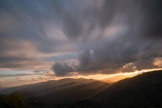 ramonportellano en Hamelin: Paisaje  (Alpandeire), Últimas luces del día. Serranía de Ronda, un espectáculo 😍😍 #paisaje #landscapephotography #andalucia