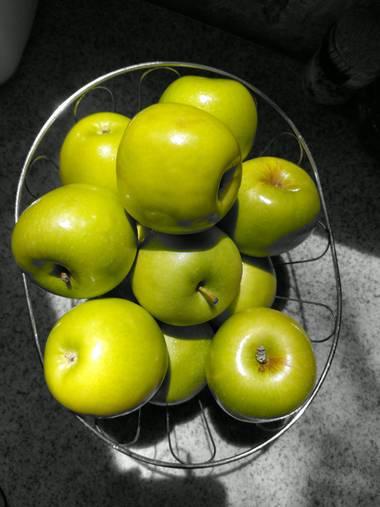 fariasrodrigo2020 en Hamelin: Flora  (Mar del Plata), Manzanas verdes, lo mejor. #manzana #verde #frutas #alimento