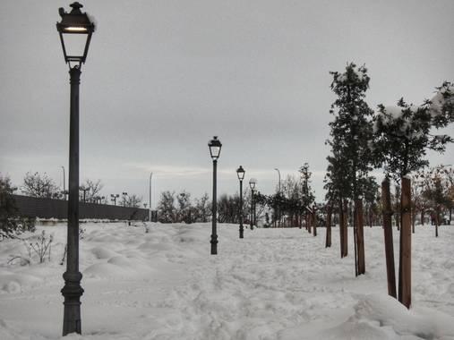 María G Terrones en Hamelin: Paisaje  (Móstoles), El cielo se vuelve blanco en Madrid #Invierno20