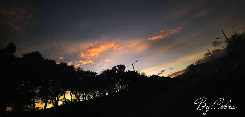 Jefersongodoy.18 en Hamelin: Paisaje  (Niza), Atardecer inesperado #atardecer