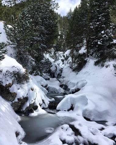 sofiabostonia en Hamelin: Paisaje  (La Vall de Boí), El riu amagat. #Invierno20
