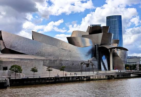 Sandra Quintero en Hamelin: Paisaje  (Bilbo), Hoy, 19 de octubre, se cumplen 23 años de la inauguración del Guggenheim.