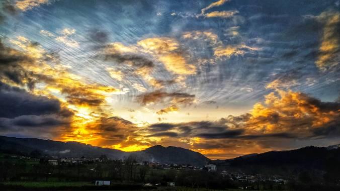 Sortueta en Hamelin: Paisaje  (Castro-Urdiales), La belleza del atardecer...