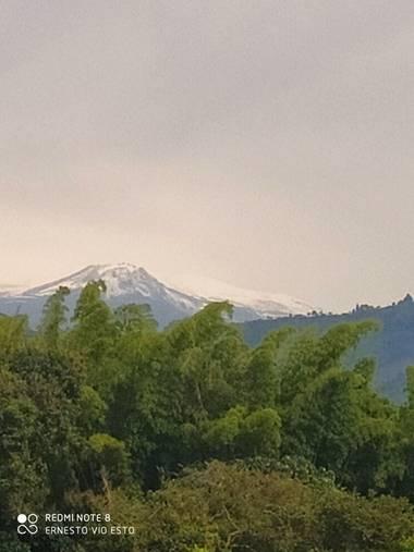 Jarboleda1968 en Hamelin: Paisaje  (Neira), #jardines y paisajes #montañasnevadas  #montañaconnubes  #Montañas