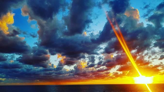 Liana  en Hamelin: Paisaje  (Illes Balears), #hashtag#meciones#sunstet#lighthouse#bynight