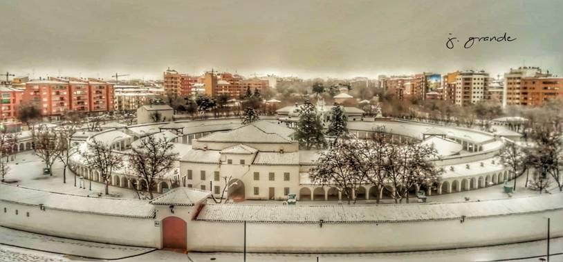 J. Grande en Hamelin: Paisaje  (Albacete), Recinto ferial de albacete en días de nieve,más común mente llamado como los redondeles. #invierno20#feria#albac...