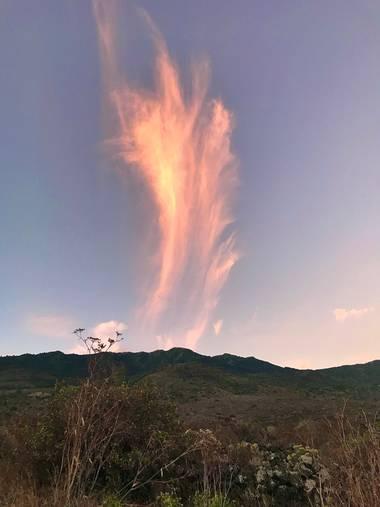 Gulliver1956 en Hamelin: Paisaje  (Frontera), Situadas en lo más alto de la troposfera, entre unos 10 a 12 km de altura, las nubes cirro toman su nombre de...