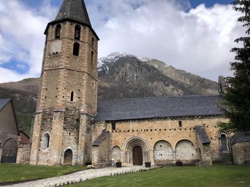 Naturalezadebarrio en Hamelin: Paisaje  (Naut Aran), Iglesia Románica de Salardu #iglesiaromanica#salardu#naturalezadebarrio