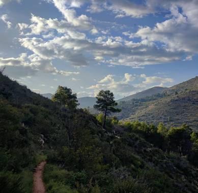 aidalzira en Hamelin: Paisaje  (Llíber),  La montañeta de llíber,es perfecta para un agradable paseo después de estar todo el día escalando,este pueblo tie...