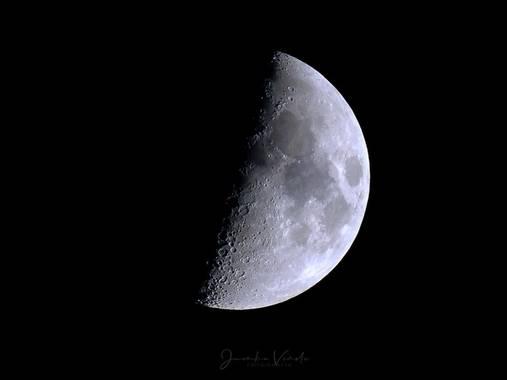 Juankafv en Hamelin: Paisaje  (Málaga), Luna de hoy dia 19/02/2021  #moon #luna #lunaticos #brillante #luz #blanca #cielo #nubes #fotografia #photography #...